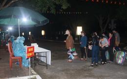 Nghệ An: Tiếp nhận hàng trăm công dân lao động từ Lào, Thái Lan về và cách ly trong đêm