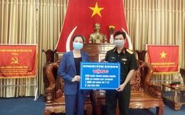 Hội LHPN Kon Tum trao tặng dụng cụ phòng, chống dịch Covid-19 cho người dân ở khu cách ly