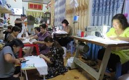 Phụ nữ Quy Nhơn: Thi đua may hàng chục nghìn khẩu trang tặng người già, khó khăn để phòng dịch Covid-19