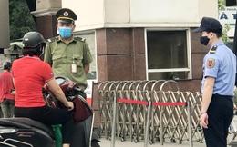 """""""Cận cảnh"""" Bệnh viện Bạch Mai sau khi chính thức bị phong tỏa"""