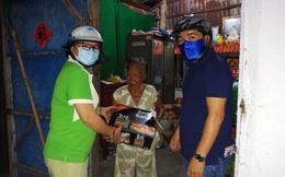 Thêm những phần quà động viên người bán vé số dạo từ bài viết của báo Phụ nữ Việt Nam