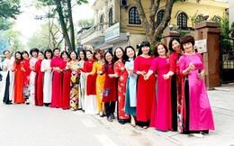 Rực rỡ tà áo dài của những người làm Báo PNVN