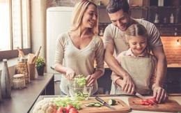 """Cách ly xã hội là """"thời cơ vàng"""" để dạy trẻ nấu ăn"""