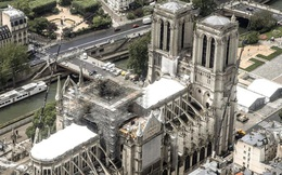 Covid-19 làm chậm tiến độ sửa Nhà thờ Đức Bà tròn 1 năm sau vụ hỏa hoạn kinh hoàng