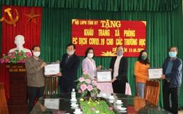Hội LHPN tỉnh Hưng Yên tặng 11.600 khẩu trang kháng khuẩn cho học sinh