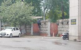 Hà Nội: Người dân vượt tường vào công viên tập thể dục bất chấp lệnh cấm