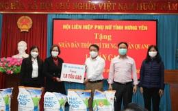 Hội LHPN tỉnh Hưng Yên tặng 1,8 tấn gạo cho thôn Chí Trung phải cách ly do dịch Covid-19
