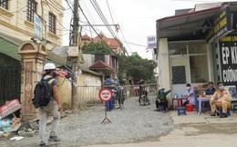 Nam công nhân sốt cao nhiều ngày âm tính với SARS-CoV-2, Hà Nội phong tỏa 600 hộ dân ở thôn Kiêu Kỵ