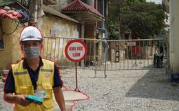 Công nhân có thể ra vào khu vực cách ly 600 hộ dân do liên quan tới dịch ở Hà Nội