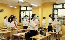 Lễ chào cờ đặc biệt trong ngày đầu tiên học sinh trở lại trường
