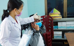 Dạy con cách xử lý khi bị mệt mỏi, ho, sốt ở trường