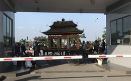 1 phụ nữ ở Thái Bình tử vong sau khi tiêm, người nhà mang xe tang đến bệnh viện yêu cầu làm rõ