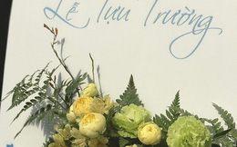 Hà Nội: Hoa tươi nhích giá trước thềm khai giảng
