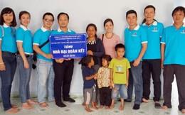 Tặng nhà Đại đoàn kết cho mẹ đơn thân ở Kon Tum