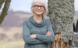 Cụ bà 71 tuổi không cảm thấy đau dù tay đang cháy khét