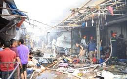 Hà Nội: Cháy lớn tại khu vực bán vải và quần áo ở chợ Tó