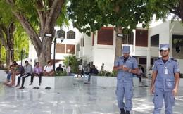 """""""Đỏ mắt"""" tìm phụ nữ trên đường phố Maldives"""