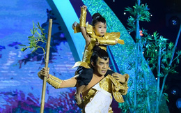Bé 5 tuổi Thanh Ngọc hóa thành Thánh Gióng nhận 'mưa' lời khen