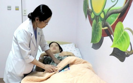 Áp dụng kỹ thuật mới cứu sống mẹ con sản phụ bị nhau cài răng lược