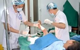 Đắp thuốc Nam trị bỏng, bé 9 tuổi bị hoại tử 2 chân