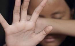 Đừng xoáy thêm vào nỗi đau của trẻ bị xâm hại