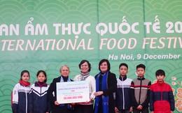 Các nhà ngoại giao quyên góp ủng hộ trẻ mồ côi, khó khăn