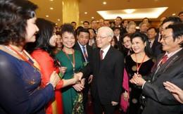 Tổng Bí thư Nguyễn Phú Trọng tiếp đón kiều bào về quê đón Tết