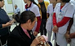 Hà Tĩnh: Bé gái bị bỏ rơi tại hành lang bệnh viện