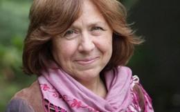 """Svetlana Alexievich – nữ văn sĩ bị """"ám ảnh"""" bởi chiến tranh"""