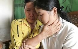 Nữ sinh nghèo gác giấc mơ đại học vì mẹ bị tàn tật, ung thư đã được nhập trường