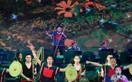 Hơn 1.000 nghệ sĩ mặc áo lính tranh tài tại Hà Nội