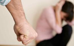 Từ những vụ bạo hành cặp đôi: Hạnh phúc không phải là chịu đựng