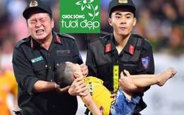 Bức ảnh gây xúc động mạnh trong trận đấu giữa Nam Định gặp Hoàng Anh Gia Lai