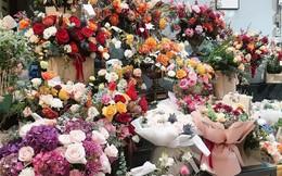Thị trường ngày 20/11: Hoa tươi, quà tặng bạt ngàn, sức mua vẫn kém