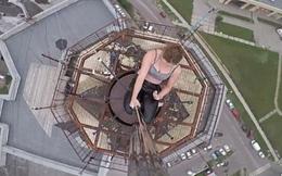 Thót tim xem nữ vũ công Nga múa cột trên đỉnh tòa nhà cao tầng