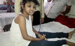 Phát hiện bé gái Ấn Độ sống trong rừng cùng đàn khỉ