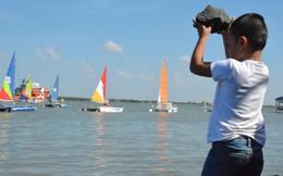 Những hình ảnh nguy hiểm với trẻ em tại giải đua thuyền buồm quốc tế
