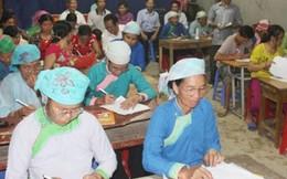 Những lão bà người Tày quyết tìm con chữ