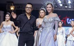 Á hậu 'siêu vòng 3' Thanh Trang hóa nữ thần trên sàn catwalk
