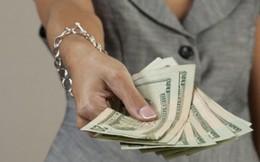 Cô gái trộm vali người tình ngoại quốc để đòi tình phí
