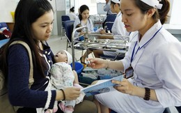 Liên tiếp các vụ tai biến sau tiêm chủng: Không có chuyện tạm dừng tiêm vaccine ComBe Five