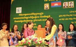 Hội phụ nữ Việt Nam-Campuchia ký thỏa thuận hợp tác
