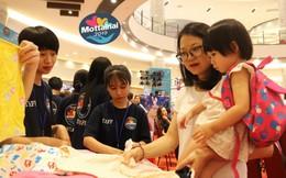 Sôi động gian hàng gây Quỹ từ thiện tại Ngày hội Mottainai 2019