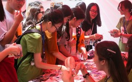 3000 lượt người tham gia hội chợ về tái chế và môi trường của học sinh THPT Hà Nội