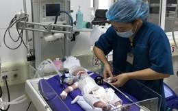 Mẹ ngừng thở khi mang thai 35 tuần, bác sĩ nỗ lực giành giật sự sống cho con