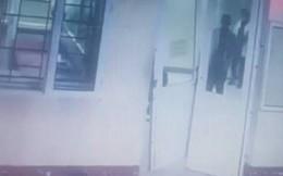 Phó chủ tịch xã vào bệnh viện hành xử như côn đồ