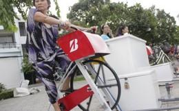 Người dân hào hứng với xe đạp lọc nước