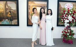 Lương Giang tươi tắn hội ngộ Diệu Hương, Huyền Trang tại phòng tranh riêng