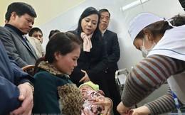 Sau việc một số trẻ nhập viện, Bộ trưởng Y tế trực tiếp kiểm tra tiêm vaccine ComBE FIVE