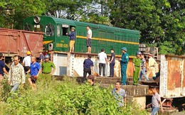 5 người bị thương sau cú va chạm giữa xe tải với tàu hỏa ở Hà Đông
